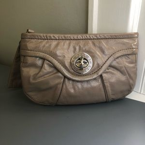 MARC BY MARC JACOBS PATENT LEATHER CLUTCH